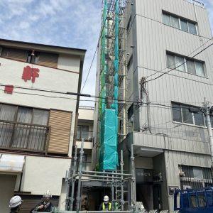 神奈川区,配管改修工事用足場一部架け ,台風養生並び変則式昇降階段設置